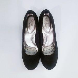 ♡ Cute Black Wedge Shoes